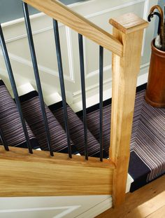 44 Ideas for black stone stairs iron railings - New Ideas Metal Stair Spindles, Staircase Spindles, Iron Stair Railing, New Staircase, Iron Balusters, Metal Stairs, Banister Ideas, Staircase Design, Railing Design