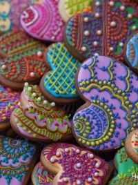 Henna Cake Pops | Indian Weddings Magazine - Aren't they just gorgeous??