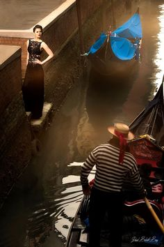 Photographe: David Bülent Bag Modèle: Veronika Polakovicova Robe: Hayari Couture Paris Directrice Artistique: Nazli Mendes Hair Make Up: Yamina Baddegh Lieu: Venezia #hayari #couture #venezia #wedding #inspiration