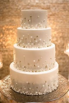Chic Eve of Milady Bride Stuns - #Bride #Chic #Eve #Milady #Stuns Sparkle Wedding Cakes, Pretty Wedding Cakes, Wedding Cakes With Cupcakes, Elegant Wedding Cakes, Wedding Cakes With Flowers, Wedding Cake Designs, Rustic Wedding, Fall Wedding, Wedding Cake Simple
