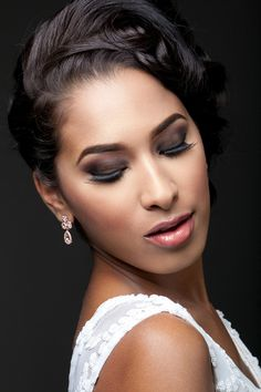 #HappyFriday! Brides-to-be, whether you're seeking a subtle slay or full on glam for  your...