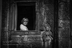 tempel window with two women by StefanRadi Street Photography #InfluentialLime