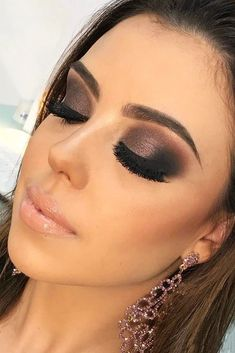 Smokey Eye Makeup And#8211; Look Like a Femme Fatale! ★ See more: http://glaminati.com/sexy-smokey-eye-makeup/ #makeupideassmokey