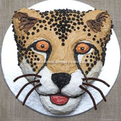 Homemade Cheetah Cake from Africa: I made this Cheetah Cake for my son's birthday party. He loves the cheetah and from that we decided to do a Africa Safari party, with a track hunting cake decorating recipes kuchen kindergeburtstag cakes ideas Cheetah Birthday Cakes, Cheetah Cakes, Leopard Cake, Animal Birthday Cakes, Cool Birthday Cakes, Cat Birthday, Snow Leopard, Birthday Ideas, Jaguar