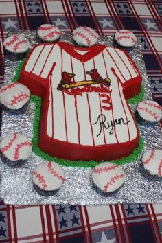 A friends son wanted a baseball theme birthday so this is what we came up with. The cake is the t-shirt pan with buttercream icing. My friend made the cupcakes. It was a great party and the birthday boy was very happy. Baseball Birthday Cakes, Baseball Party, Boy Birthday, Baseball Cakes, Baseball Desserts, Baseball Stuff, Baseball Mom, Softball, Happy Birthday