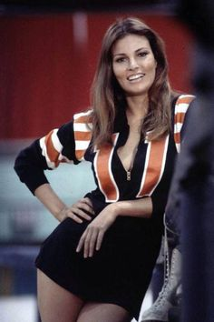 "Raquel Welch as roller girl K. Carr in the film ""Kansas City Bomber,"" 🎦 🍿 Classic Actresses, Beautiful Actresses, Actors & Actresses, Non Plus Ultra, Beautiful People, Beautiful Women, Stunningly Beautiful, Actrices Hollywood, Up Girl"