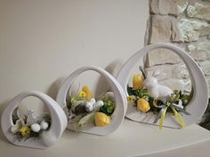Пасха Easter Flower Arrangements, Easter Flowers, Floral Arrangements, Vases Decor, Centerpieces, Decor Crafts, Diy And Crafts, Church Flowers, Hotel Decor