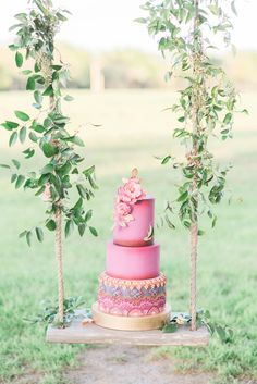 Photography : Rachel Elaine Photography Read More on SMP: http://www.stylemepretty.com/texas-weddings/quinlan-texas/2016/06/16/a-chance-encounter-inspired-this-bright-boho-editorial/