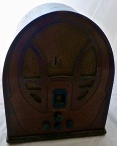 PHILCO Radio Super Heterodyne Vintage Tube Radio Beehive or Cathedral Bonnet #Philco