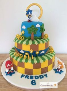 Sonic the Hedgehog Cake Sonic Birthday Cake, Sonic Birthday Parties, Sonic Party, Birthday Fun, Bolo Sonic, Sonic Cake, Birthday Event Ideas, Sonic The Hedgehog Cake, Hedgehog Birthday