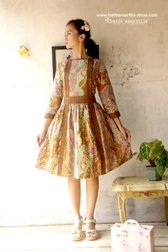 Batik Amarillis Made in Indonesia : proudly Presents..... Batik Amarillis's Joie de Vivre dress 2015 ....This Edwardian's era classy Dress inspired ,features pleated and piping details. it's Lovely for any occasions!