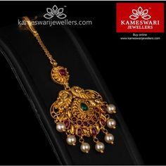 Antique Maang tika with potas Tika Jewelry, Jewelry Design Earrings, Gold Earrings Designs, Gold Jewellery Design, Bridal Jewelry, Gold Jewelry, Gold Necklace, Earrings Uk, India Jewelry