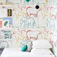 'Into the Wild' wallpaper design in situ by Ashley le Quere. Via Valk Chuah Design Files The Design Files, Design Blog, Design Design, Pattern Wallpaper, Wallpaper Designs, Print Wallpaper, Kids Bedroom, Kids Rooms, Baby Rooms