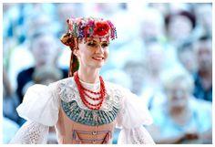Polish Folk Costume from Silesia Poland Polish Clothing, Folk Clothing, Historical Clothing, Polish People, Visit Poland, Polish Folk Art, Folk Costume, Eastern Europe, European Fashion