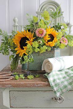 VIBEKE DESIGN: Flowers that inspire!