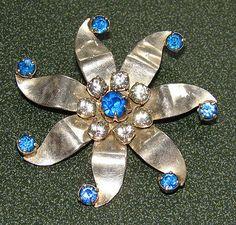 JAY-KEL-STERLING-SILVER-BLUE-CLEAR-AUSTRIAN-CRYSTAL-RHINESTONES-STAR-BROOCH