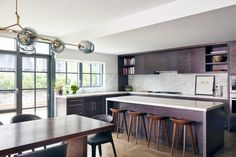 See more of MARKZEFF's West Chelsea Private Residence on 1stdibs