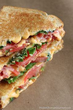 Bacon Lettuce and Tomato Grilled Cheese Sandwiches. The classic Grilled Cheese Sandwich just-grew-up! Crunchy bacon - flavorful lettuce - and juicy tomatoes are added to send this sandwich over the top! Bacon Dishes, Grilled Cheese Recipes, Grilled Cheeses, Gormet Grilled Cheese, Grilled Cheese With Tomato, Ultimate Grilled Cheese, Grilled Food, Soup And Sandwich, Tomato Sandwich