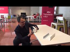 Així de fàcil és muntar un lloc de treball electrificat amb la nova caixa de connexions portàtil model PRISMA d'IbConnect en una taula plegable TRAMA i una cadira WING d'Actiu. Només faltaria endollar-la a la corrent!