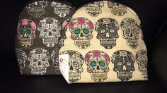 This fun #Calaveras fabric has been made into these great little bags by #andybeedesigns #handmadebyme #dayofthedead #sugarskull #makeupbag
