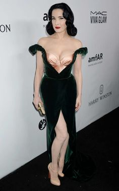 """ Dita Von Teese – amfAR Gala Los Angeles 2017 in Beverly Hills  """