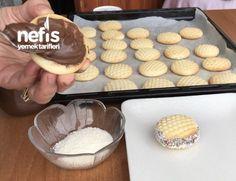 Çikolatalı Petek Kurabiye - Nefis Yemek Tarifleri - #4343769 Nutella, Pasta, Cookies, Desserts, Food, Crack Crackers, Tailgate Desserts, Biscuits, Meal