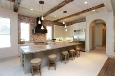 When it comes to what is trending in #homedesign, exposed #woodbeams are huge. http://www.shreveporttimes.com/story/marketplace/real-estate/2016/01/31/trending-homes-raw-wood-beams/79473786/