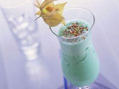 Drivers-Drink mit Ananas, Banane und Blue Curacao ist ein Rezept mit frischen Zutaten aus der Kategorie Getränke. Probieren Sie dieses und weitere Rezepte von EAT SMARTER!