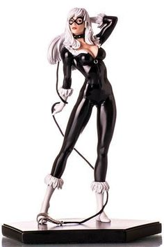 Add a little luck to your Marvel collection with the Black Cat Art Scale statue. This beautiful statue stands inches in scale and is made of polystone. Black Cat Marvel, Age Of Ultron, God Of War, Batman Vs Superman, Spiderman, Super Héroine Marvel, Harley Quinn, Black Cat Cosplay, Marvel Statues