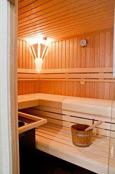 Saunabau und -planung individuell - sopra AG - Pool & Wellness Lap Pools, Indoor Pools, Backyard Pools, Pool Decks, Pool Landscaping, Swimming Pools, Sauna Steam Room, Sauna Room, Diy Sauna