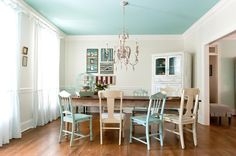 If you want to create a shabby chic dining room style, here are several ways for you. First of all, you can start with the shabby chic dining room colors. Ceiling Paint Colors, Colored Ceiling, White Ceiling, Paint Colours, Shabby Chic Dining Room, Dining Room Blue, Dining Rooms, House Of Turquoise, Turquoise Accents