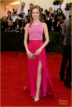 Emma Stone MET gala 2014...simple & bold, I like it for some reason.