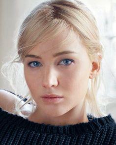 Jennifer lawrence looking immensely serious Pretty Eyes, Beautiful Eyes, Beautiful Women, Nicholas Hoult, Beautiful Celebrities, Beautiful Actresses, Blond, Jennifer Lawrence Hair, Female Actresses