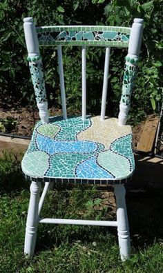 Sweet childs chair with vintage china mosaic seatlove stuff i sweet childs chair with vintage china mosaic seatlove stuff i want to make pinterest children s vintage china and mosaics solutioingenieria Gallery