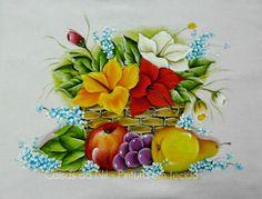 Coisas da Nil - Pintura em tecido: Cesta de hibiscos com frutas.