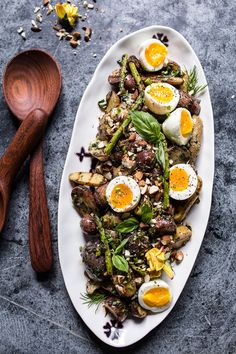 Grilled Potato Salad with Almond-Basil Chimichurri & Eggs: We wouldn't be opposed to eating this for breakfast. Click through for more summer grilled potato recipes! Vegetarian Recipes, Cooking Recipes, Healthy Recipes, Half Baked Harvest, Chimichurri, Healthy Salads, Potato Recipes, Egg Recipes, Potato Salad
