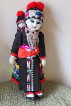 Vintage Hill tribe doll porcelain Mother Holding Baby, Chang-Mai, Thailand