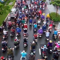 The city of scooters! #travel #travelphotography #photography #wanderlust #traveladdiction #traveladdict #lovetravel #newplaces #travelphoto #voyage #neverstoptraveling #travelinspiration #traveling #vietnam #hochiminh #hochiminhcity #scootercity #traffic #crazy http://tipsrazzi.com/ipost/1524757282784517728/?code=BUpBquRD55g