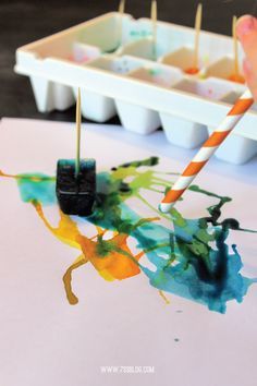 Have some simple and creative fun with this easy DIY Painting with Ice craft! Kids Crafts, Summer Crafts, Toddler Crafts, Preschool Crafts, Summer Fun, Arts And Crafts, Summer Activities, Activities For Kids, Painting Activities