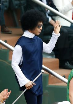 Times when I wish I were #Prince...who else could show up at the French Open carrying a scepter?