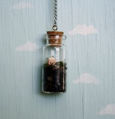 For those of us who are gypsies and have no home but create our mind palaces on etsy this may be the only home we know Terrarium bottle necklace Bottle Jewelry, Bottle Charms, Bottle Necklace, Diy Jewelry, Jewelry Making, Cork Necklace, Jewellery, Mini Bottle, Mini Glass Bottles