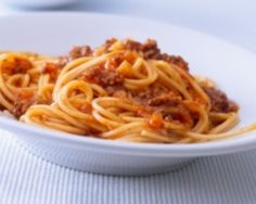 Paleomix: Spaghetti Bolognaise with Wholemeal Pasta - Thermomix Recipe- EDC (pg Weight Watchers Pro-Points: 9 per serve (as a serve Easy Spaghetti Bolognese, Best Spaghetti, How To Make Spaghetti, How To Cook Pasta, Spaghetti Sauce, Prego Spaghetti Recipe, Vegan Spaghetti, Homemade Spaghetti, Spaghetti Squash