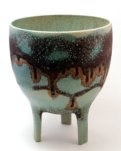 wockawock:    Mary Fox expresses timeless elegance and grace inspired by the Classic vase form.