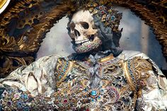 400-Year-Old Jewel-Encrusted Skeletons Unearthed In Churches Across Europe   Unbelievable Facts