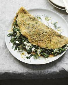 Omelette herbes fraîches et feta pour 4 personnes - Recettes Elle à Table