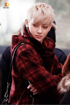 Tao never looked so sexy~!! keke fabulous Tao strikes again~!! mew!!