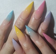 Semi-permanent varnish, false nails, patches: which manicure to choose? - My Nails Acrylic Nails Natural, Cute Acrylic Nails, Acrylic Art, Glitter Nails, Gorgeous Nails, Pretty Nails, Amazing Nails, Perfect Nails, Spring Nails