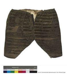 Männerhose Inventarnummer: T8183 Sammlung: Textilien und Schmuck Beschreibung: Ein paar grünlich-braune Samthosen eines sehr beleibten M...
