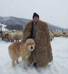 Romanian shepherd and Mioritic sheepdog Beautiful Places To Visit, Beautiful World, Romania People, Romanian Girls, Anima Mundi, Visit Romania, We Are The World, Bucharest, Farm Yard