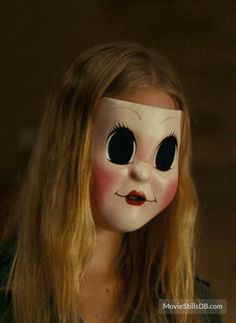 The Strangers - Publicity still of Gemma Ward. The image measures 469 * 642 pixels and was added on 22 October Horror Movie Characters, Horror Films, Mascaras Halloween, Halloween Face Makeup, Sheik Cosplay, Halloween Pumpkin Designs, Natural Born Killers, Gothic Fantasy Art, Freaks And Geeks